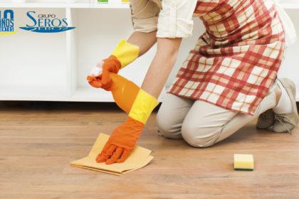limpiar pisos con suelo plastico burgos
